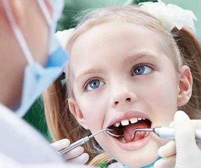 Лечение и удаление молочных зубов